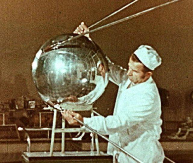 Sputnik Rocket: Reaching orbit, in style!