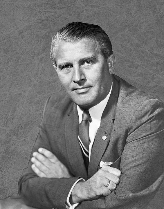 Dr. WernDr. Wernher von Braun Photo credits: NASAher von Braun