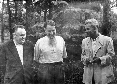 """Chief Designer"" Korolev (left) with ""father of the Soviet atomic bomb"" Igor Kurchatov (centre) and ""Chief Theoretician"" Mstislav Keldysh (right), 1956"