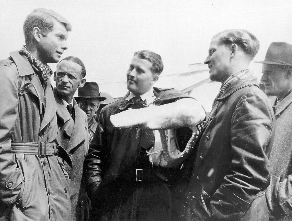 Wernher von Braun after surrendering to U.S. forces German rocket engineer Wernher von Braun (with arm in cast) and his brother Magnus (second from right) after surrendering to U.S. forces, May 2, 1945. MSFC/NASA