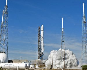 SLC-40 during launch of SpaceX CRS-13 in December 2017, after repair and upgrade works to the pad between 2016–2017